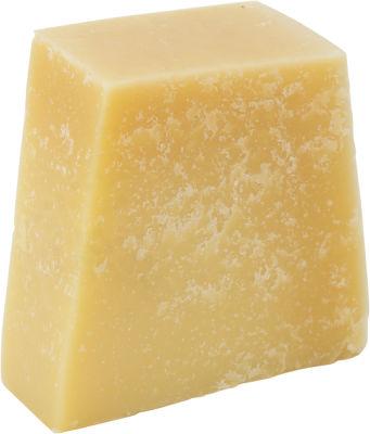 Сыр Le Superbe Пармезан 47% 0.15-0.25кг